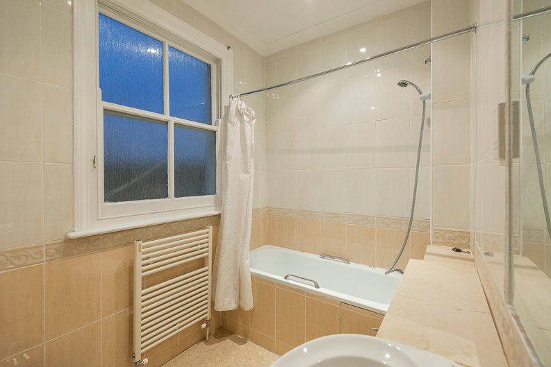 2 bedroom(s) apartment to sale in Sutherland Avenue, Maida Vale-image 8