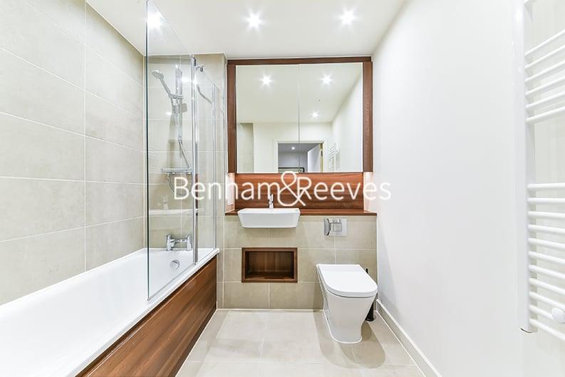 2 bedroom(s) apartment to sale in Moorhen Drive, Hendon, London-image 4