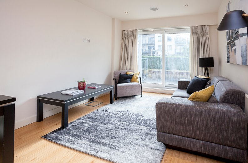 1 bedroom(s) apartment to sale in Croft House, Heritage Avenue, Beaufort Park, Colindale-image 3