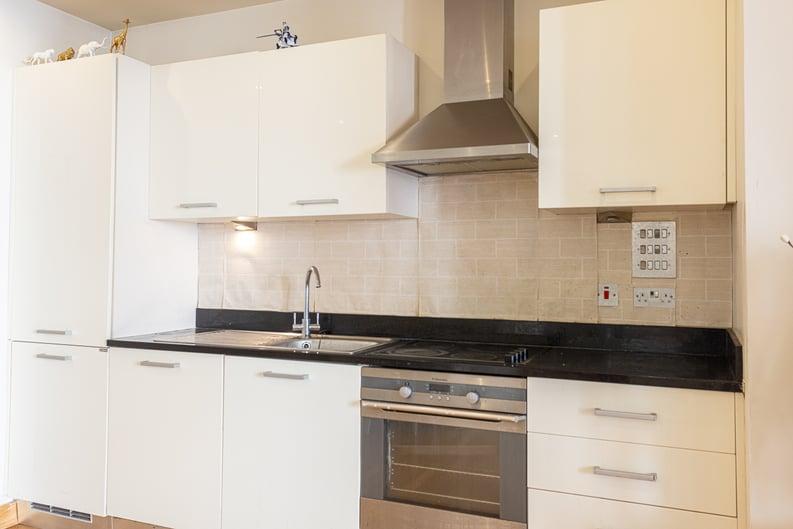 2 bedroom(s) apartment to sale in Roach Road, Hackney Wick, London-image 2