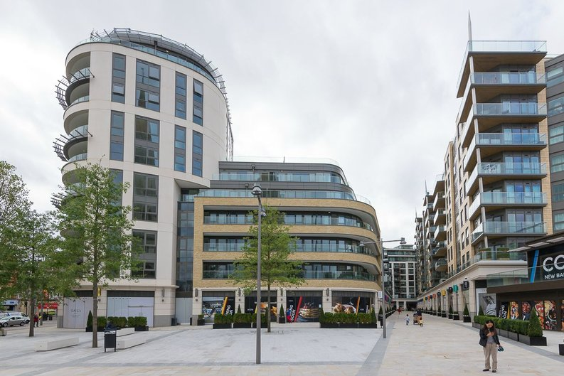3 bedroom(s) apartment to sale in Quartz House, Dickens Yard, Ealing-image 14