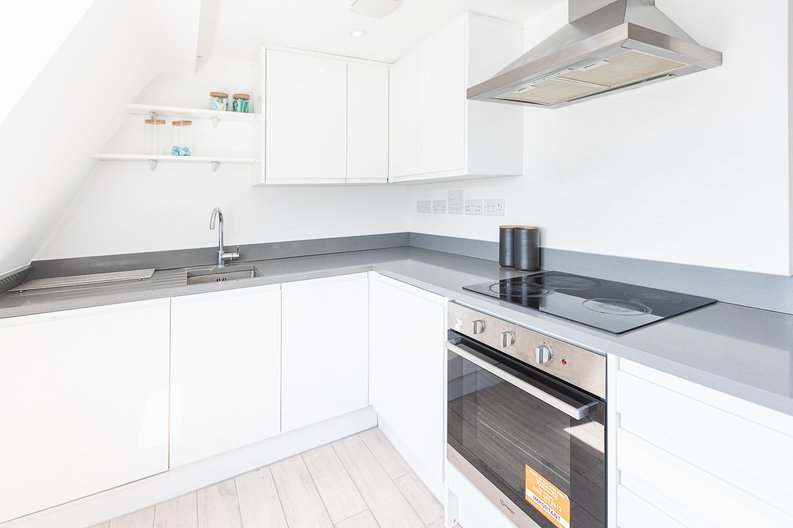 Studio apartment to sale in Prospect House, 67 St John's Road, Hounslow, London-image 6