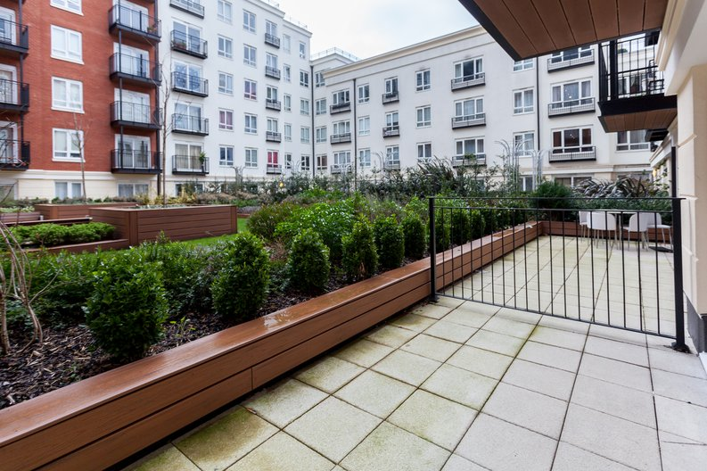 Studio apartment to sale in Golding House, 11 Beaufort Square, Colindale-image 5