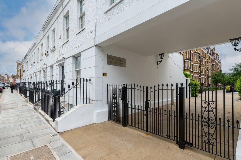 3 bedroom(s) apartment to sale in Walton Street, Kensington/Chelsea, London-image 9