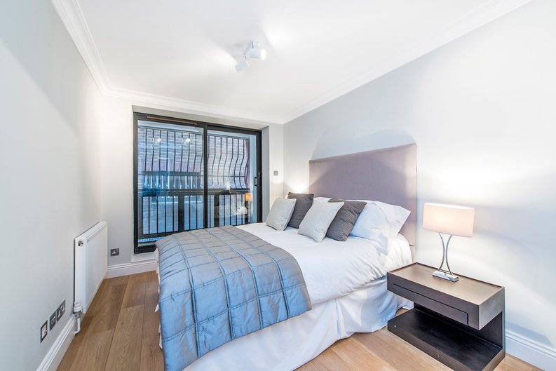 3 bedroom(s) apartment to sale in Drayton Gardens, Chelsea, London-image 8