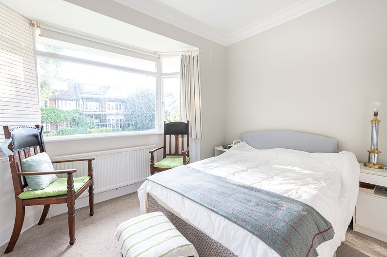 2 bedroom(s) apartment to sale in Cholmeley Park, Highgate Village, London-image 5