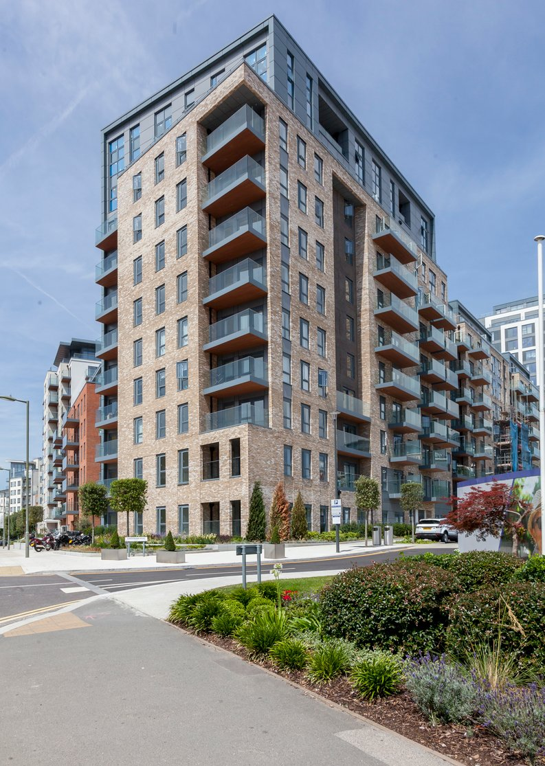 1 bedroom(s) apartment to sale in Fairbank House, Beaufort Park, 13 Beaufort Square, London-image 1