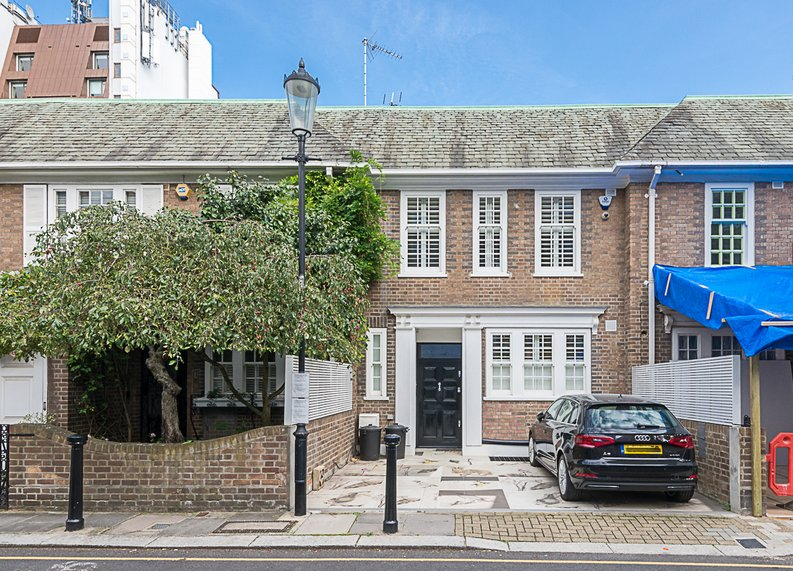5 bedroom(s) house to sale in Cadogan Lane, Knightsbridge-image 16