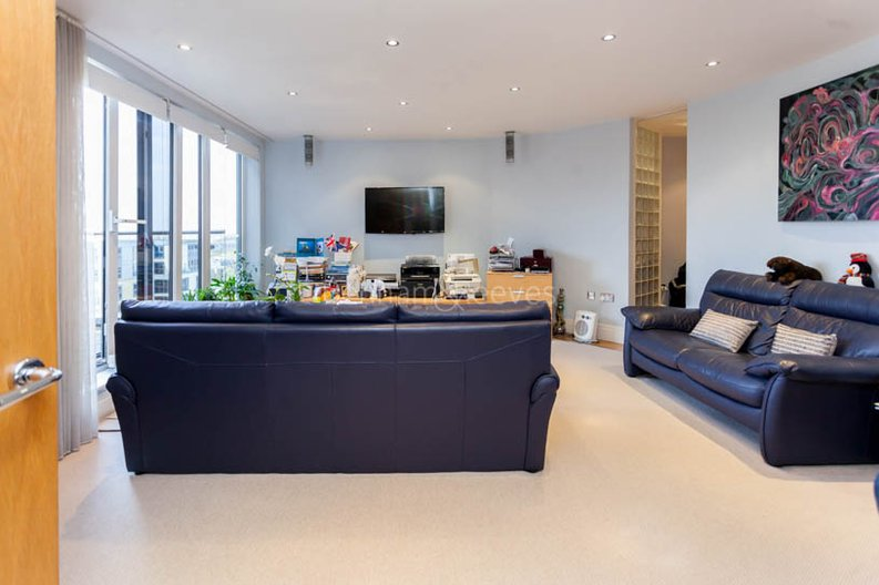 1 bedroom(s) apartment to sale in Harbour Reach, Imperial Wharf, London-image 1