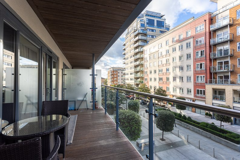 2 bedroom(s) apartment to sale in Boulevard Drive, London-image 10