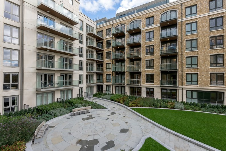 1 bedroom(s) apartment to sale in Fairfax House, Fulham Reach , Hammersmith-image 1