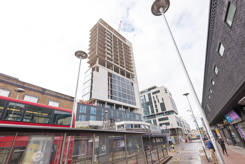 2 bedroom(s) to sale in City North, Finsbury Park, London-image 7
