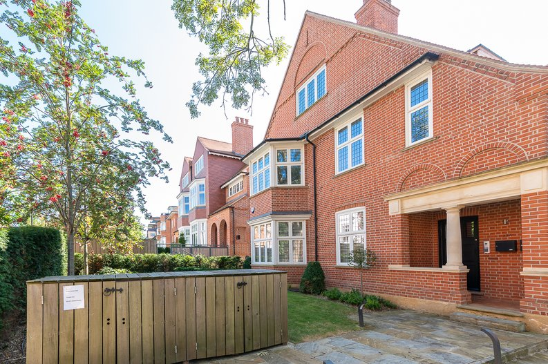4 bedroom(s) apartment to sale in Kidderpore Avenue, Hampstead, London-image 1
