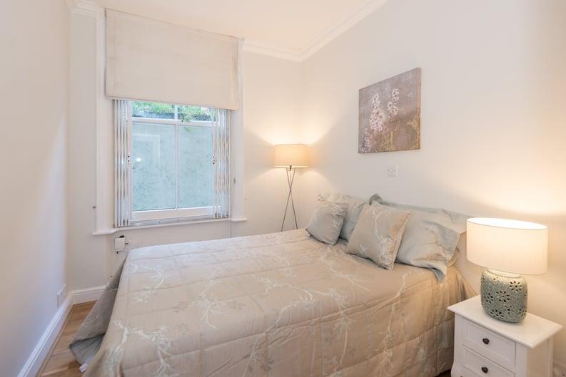 3 bedroom(s) apartment to sale in Bullingham Mansions, Pitt Street, London , Kensington-image 8