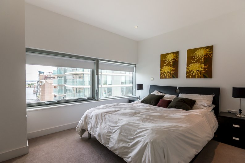 2 bedroom(s) apartment to sale in Landmark West Tower, Marsh Wall, Canary Wharf-image 5