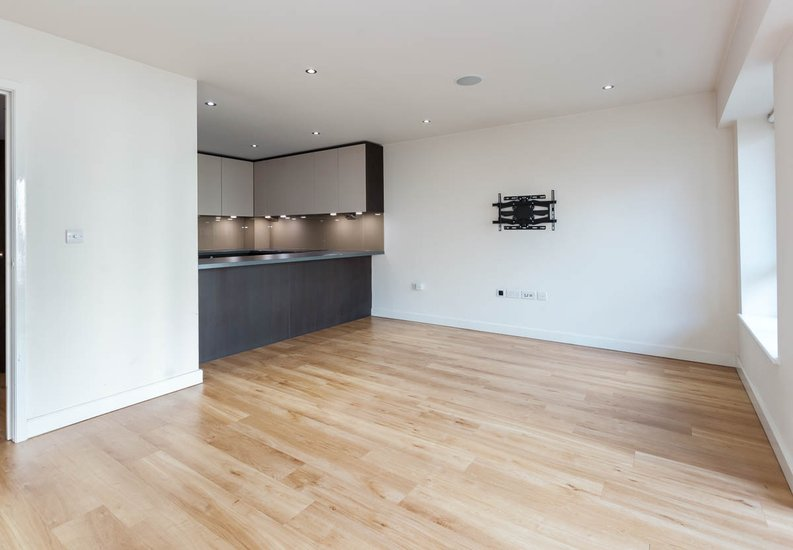 2 bedroom(s) apartment to sale in East Drive, Colindale, London-image 12