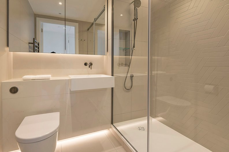 2 bedroom(s) apartment to sale in Fountain Park Way, White City, London-image 9