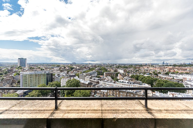 3 bedroom(s) apartment to sale in Cromwell Road, South Kensington, London-image 33