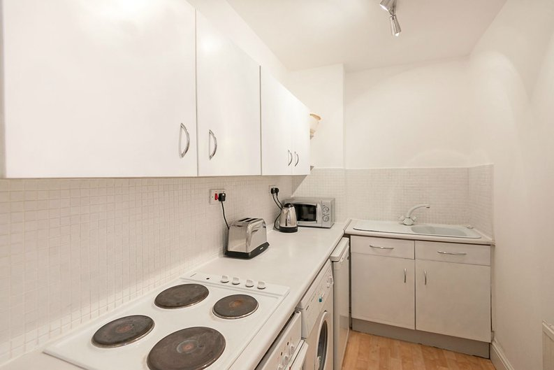 1 bedroom(s) apartment to sale in Oxford Gardens, London-image 6