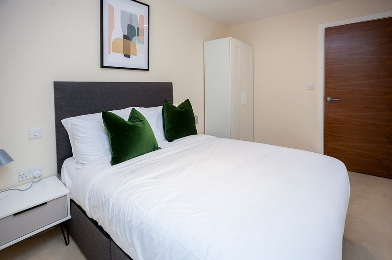 2 bedroom(s) apartment to sale in Napier House, Bromyard Avenue, Acton-image 5