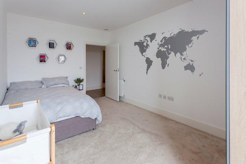 2 bedroom(s) apartment to sale in Cadet House, Victory Parade, Plumstead Road, Woolwich, London-image 14