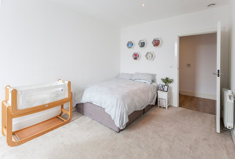 2 bedroom(s) apartment to sale in Cadet House, Victory Parade, Plumstead Road, Woolwich, London-image 13