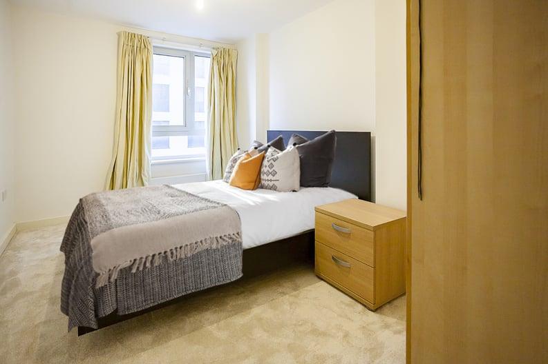 2 bedroom(s) apartment to sale in Eden Grove, Islington, London-image 4