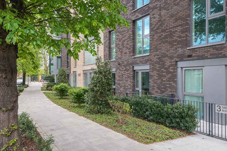1 bedroom(s) apartment to sale in Woodberry Down, Phase 2, Block B, Woodberry Down, Finsbury Park-image 5