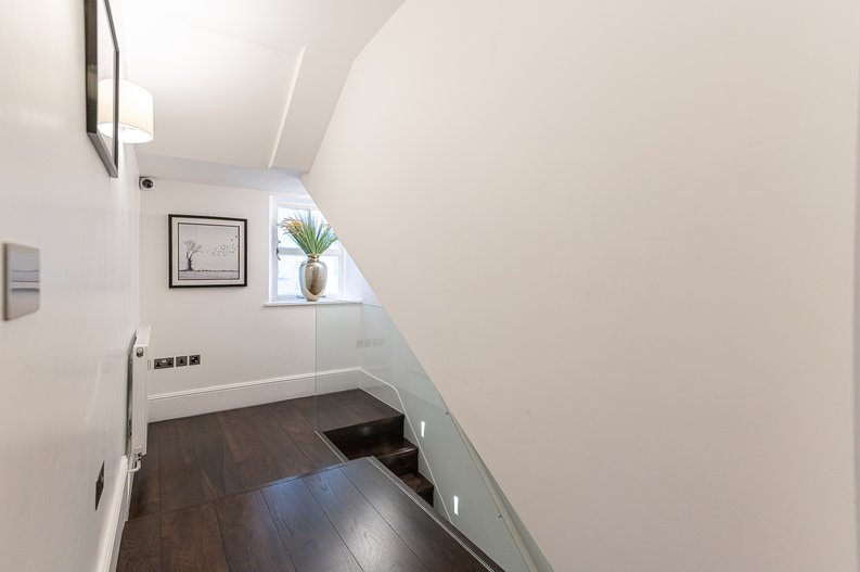 2 bedroom(s) apartment to sale in Park Street, Mayfair, London-image 21