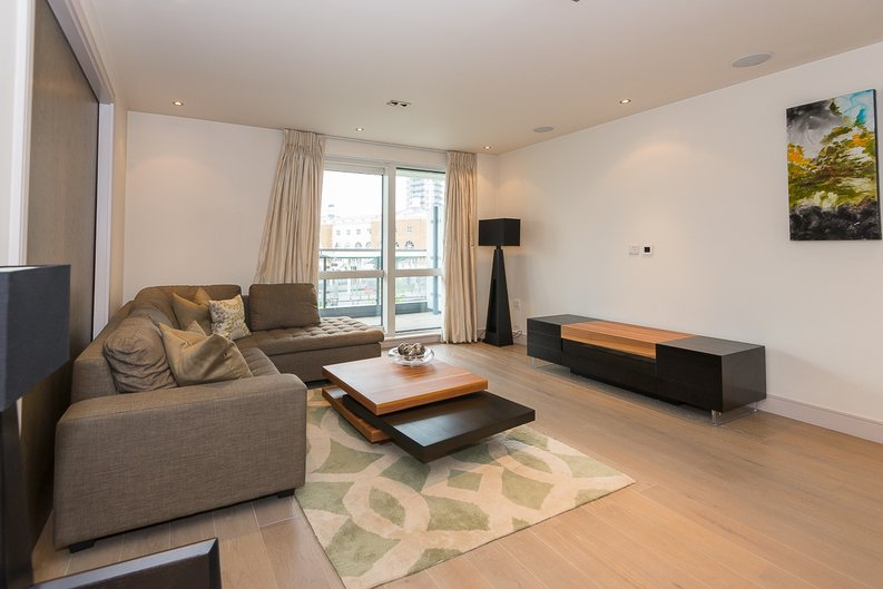3 bedroom(s) apartment to sale in Doulton House, Park Street, Chelsea Creek-image 3