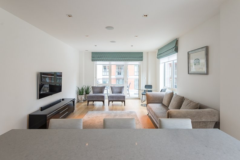2 bedroom(s) apartment to sale in Belgravia House, Dickens Yard, Ealing-image 2