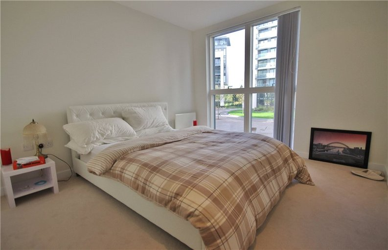 1 bedroom(s) apartment to sale in Pump House Crescent, Greater London, Brentford-image 4