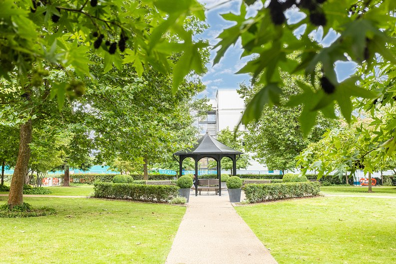 2 bedroom(s) apartment to sale in Boulevard Drive, London-image 26