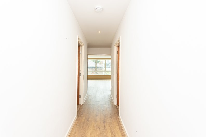 2 bedroom(s) apartment to sale in Hopton Road, Woolwich, London-image 14