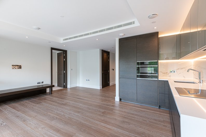 1 bedroom(s) apartment to sale in Sherrin House, Royal Warwick Square, Kensington-image 5