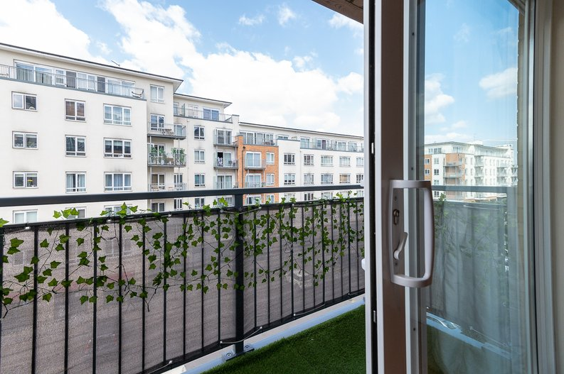 1 bedroom(s) apartment to sale in Curtiss House, 27 Heritage Avenue, Beaufort Park, London-image 5