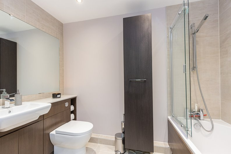1 bedroom(s) apartment to sale in Cavendish House, Boulevard Drive, London-image 8