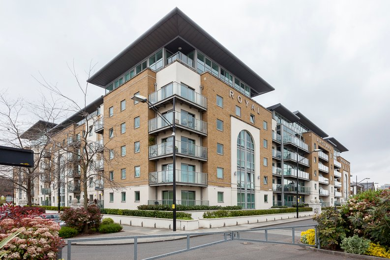 2 bedroom(s) apartment to sale in Building 50, Argyll Road, Royal Arsenal Riverside, London-image 2