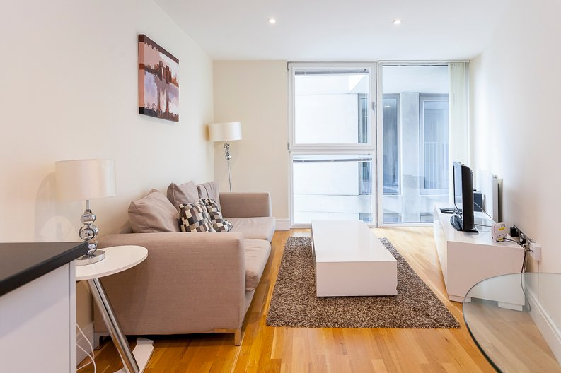 1 bedroom(s) apartment to sale in Cobalt Point, Lanterns Court, Millharbour, Canary Wharf, London-image 2