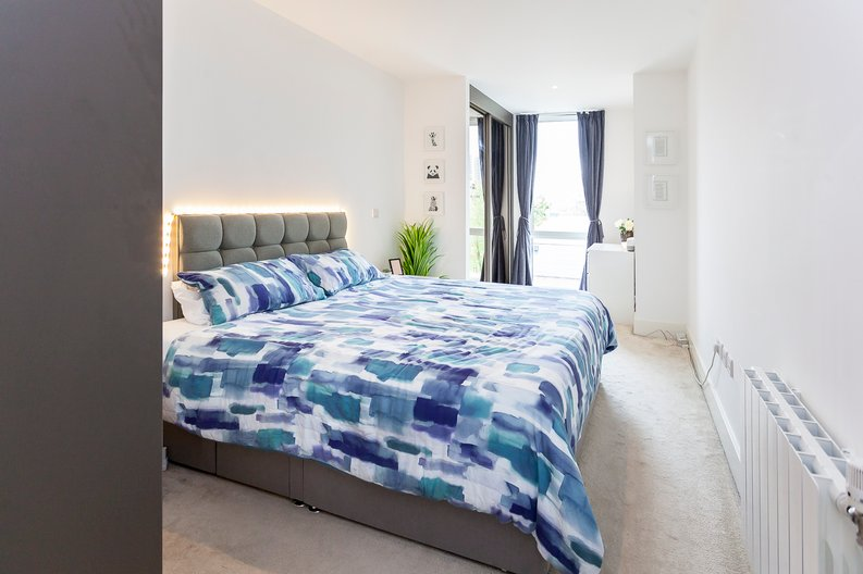 2 bedroom(s) apartment to sale in Cadet House, Victory Parade, Plumstead Road, Woolwich, London-image 7