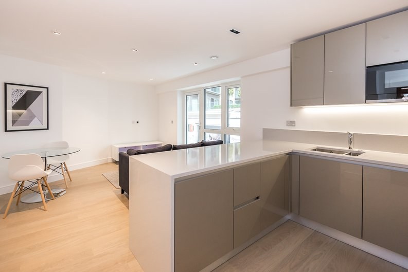 1 bedroom(s) to sale in Fitzroy House, Dickens Yard, Ealing, London-image 2