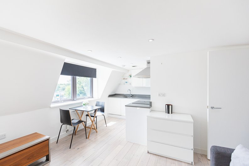 Studio apartment to sale in Prospect House, 67 St John's Road, Hounslow, London-image 14