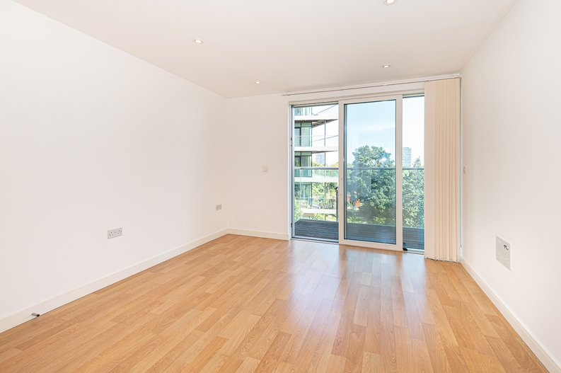 1 bedroom(s) apartment to sale in Goodchild Road, Woodbury Down, London-image 2