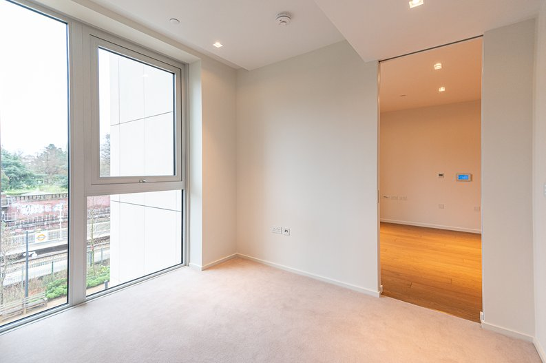 1 bedroom(s) apartment to sale in 3 Lillie Square, Lillie Road, Earl's Court-image 2