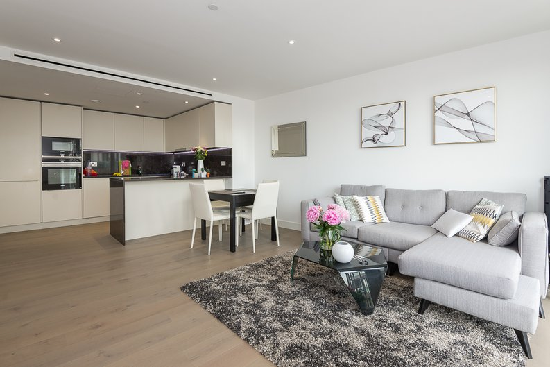 2 bedroom(s) apartment to sale in Admiralty House, Vaughan Way, London Dock, Wapping-image 4