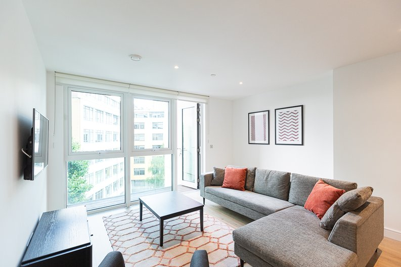 2 bedroom(s) apartment to sale in Marquis House, Sovereign Court, Hammersmith-image 11