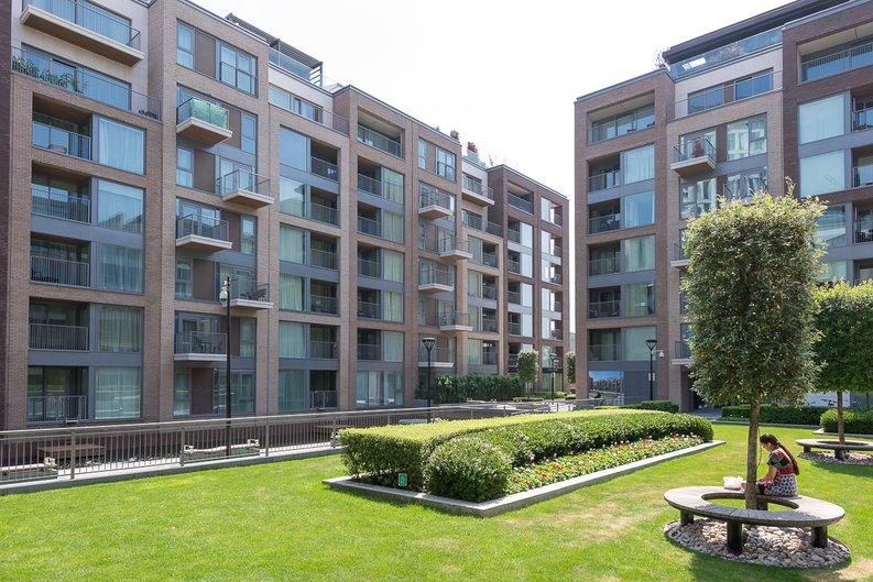 2 bedroom(s) apartment to sale in Doulton House, Park Street, Chelsea Creek, Fulham-image 1