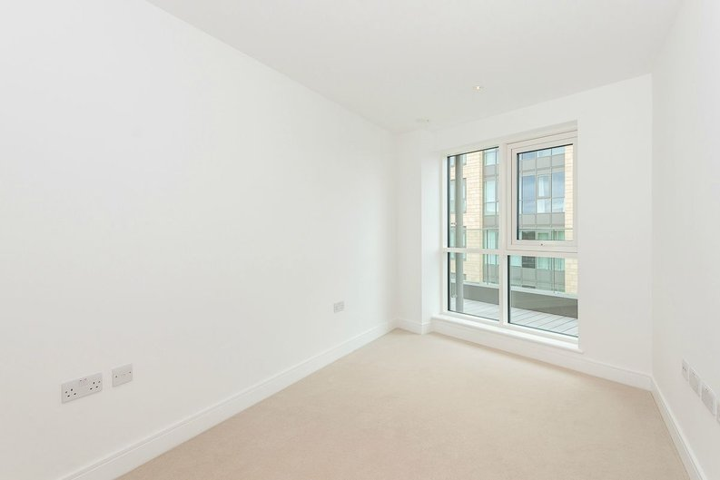 3 bedroom(s) apartment to sale in Quartz House, Dickens Yard, Ealing-image 11