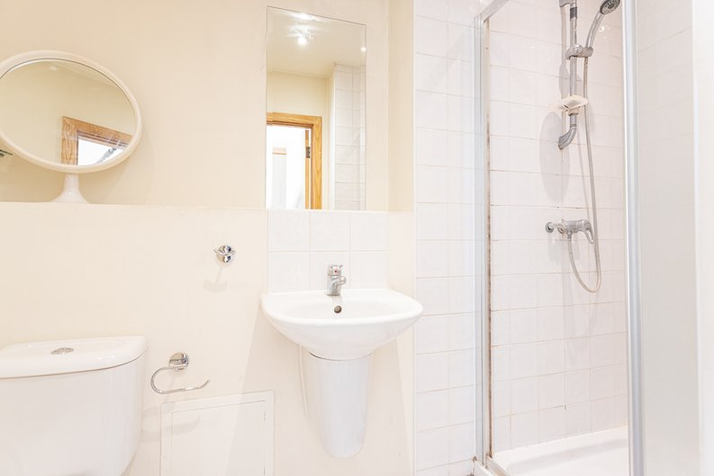 2 bedroom(s) apartment to sale in Roach Road, Hackney Wick, London-image 19