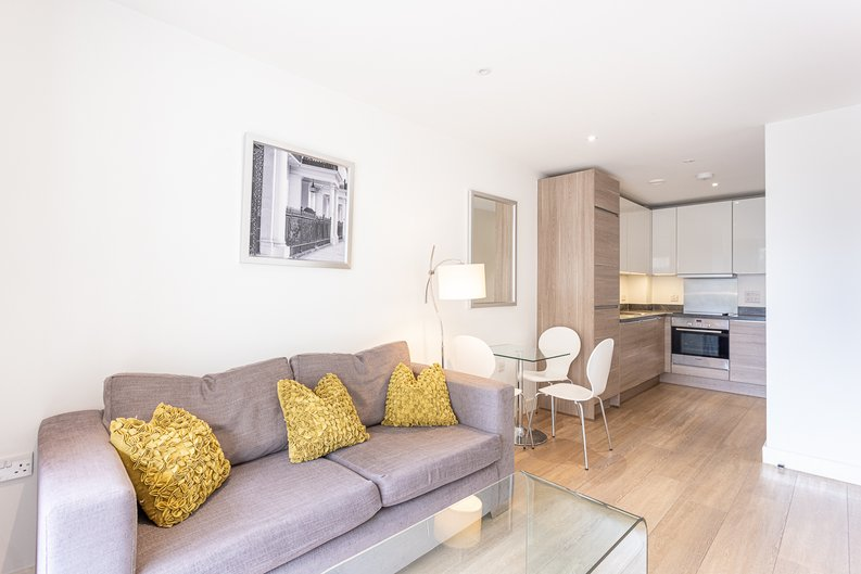 1 bedroom(s) apartment to sale in Seafarer Way, Surrey Quays, London-image 1